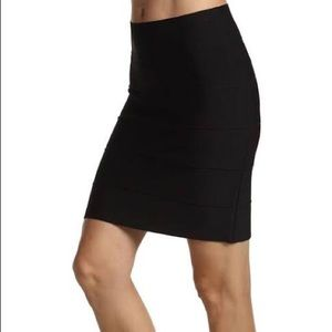BCBGMaxAzria Simone Textured Power Skirt XS Black